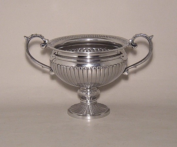 """Picture of Silver Color Bowl with Handles & Round Base 