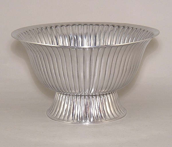 """Picture of Silver Color Bowl with Low Pedestal & Vertical Lines 