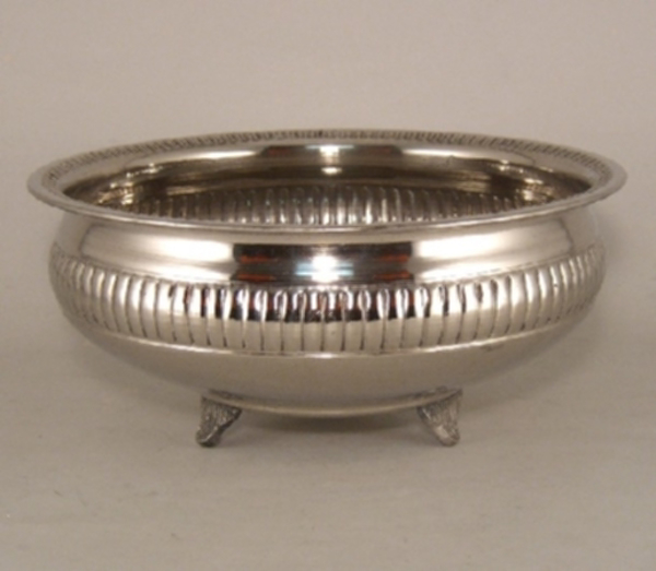 """Picture of Silver Color Bowl Nickel Plated Metal Ribbed Pattern Small Feet 