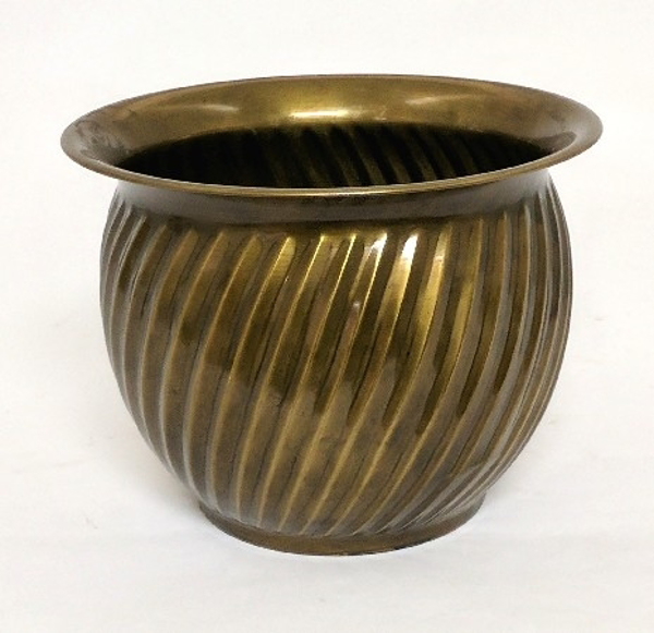 "Picture of Antique Gold Planter Swirl Lines #K37167    7""Dx5.25""H"