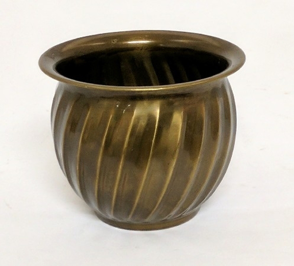 "Picture of Antique Gold Planter Swirl Lines #K37145    5""Dx4""H"