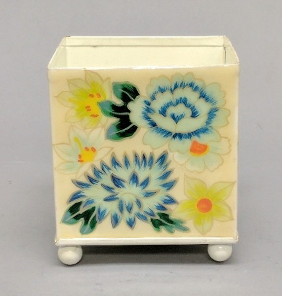 """Picture of Ivory Metal Planter Square Floral Print  4-Ball Feet   4.25""""Sqx4.5""""H    Item No. K56004"""